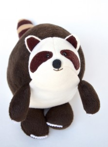369-raccoon-softie-tutorial-free-pattern