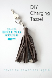 DIY CHARGING CORD TASSEL. NEVER BE WITHOUT POWER AGAIN! | The Art of Doing StuffThe Art of Doing Stuff